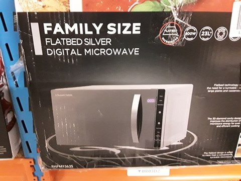 Lot 3084 RUSSELL HOBBS FAMILY SIZE MICROWAVE