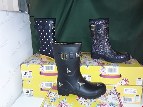 Lot 1076 LOT OF 5 ASSORTED PAIRS OF JOULES WOMENS WELLIES