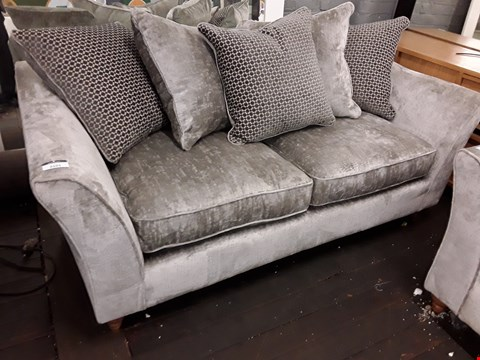 Lot 2101 QUALITY BRITISH DESIGNER AVALON SILVER FABRIC THREE SEATER SOFA WITH SCATTER CUSHIONS