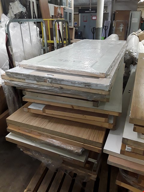 Lot 3002 PALLET OF APPROXIMATELY 25 ASSORTED DOORS