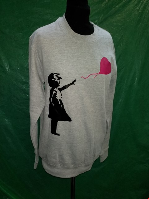 Lot 4124 FAMONA GREY BANKSY STYLE CHILD WITH BALLOON DESIGN JUMPER - SIZE SMALL