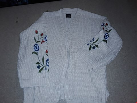 Lot 141 BOX OF APPROXIMATELY 10 EMBROIDED SL CHUNKY CARDIGAN - SIZE 12/14