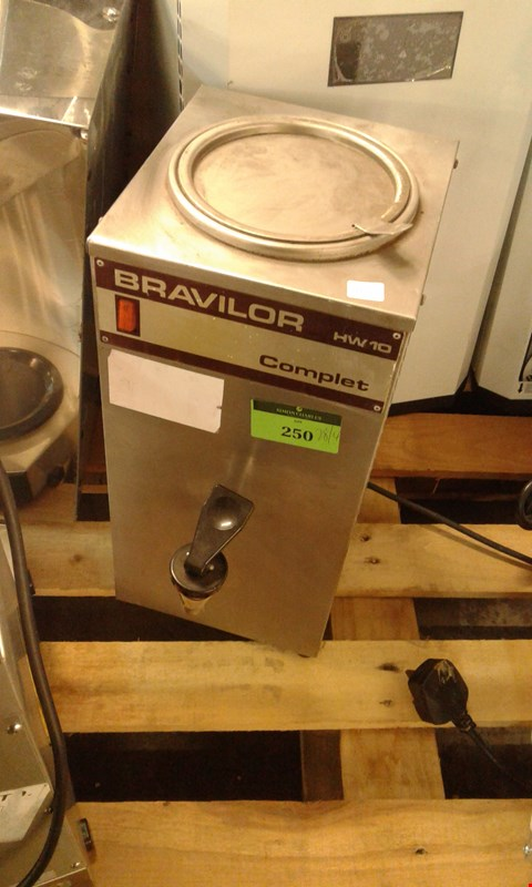 Lot 114 BRAVILOR HW10 COMPLET WATER BOILER