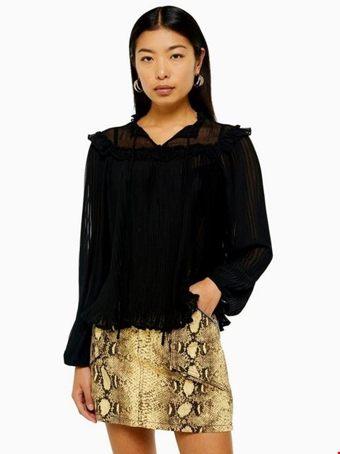 Lot 3666 BRAND NEW TOPSHOP PLEATED BLOUSE - BLACK SIZE 8