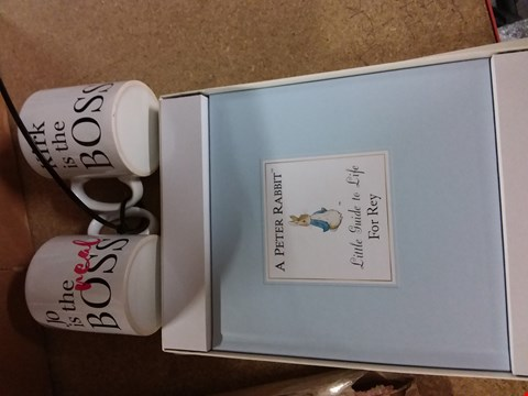 Lot 191 GRADE 1 A LOT OF ASSORTED PERSONALISED ITEMS TO INCLUDE TWO MUGS AND PETER RABBIT BOOK