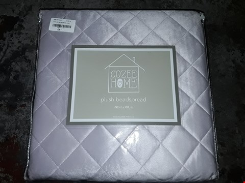 Lot 34 COZEE HOME PLUSH QUILTED BEADSPREAD RRP £45.00