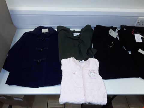 Lot 3301 LOT OF APPROXIMATELY 10 ASSORTED ITEMS OF CLOTHING TO INCLUDE MONSOON NAVY CHILDRENS JACKET SIZE 2-3 YRS, TOPMAN MENS SHORT SLEEVE JUMPER SIZE M, DISNEY MINNIE MOUSE FLEECE SLEEPSUIT