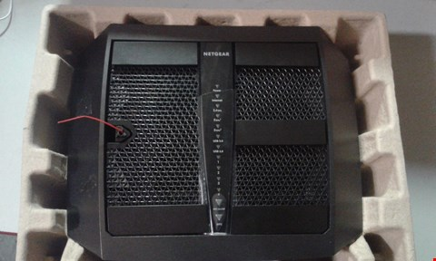 Lot 291 NETGEAR NIGHTHAWK X6S AC4000 TRI BAND WIFI ROUTER MODEL R8000P WITH CABLES