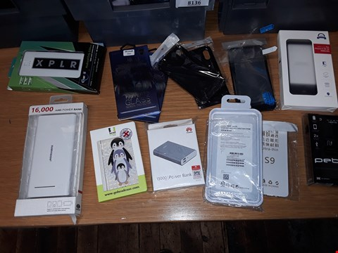 Lot 8147 A BOX OF APPROXIMATELY 20 ASSORTED MOBILE PHONE ACCESSORIES TO INCLUDE,  TEMPERED GLASS PROTECTORS , POWER BANKS AND PHONE CASES ETC
