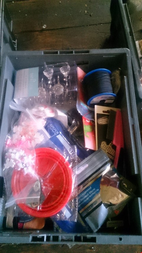 Lot 5607 LOT OF ASSORTED ITEMS TO INCLUDE DEKTON SOCKET ADAPTOR SET, INCENSE STICKS AND STEROPLAST ETC