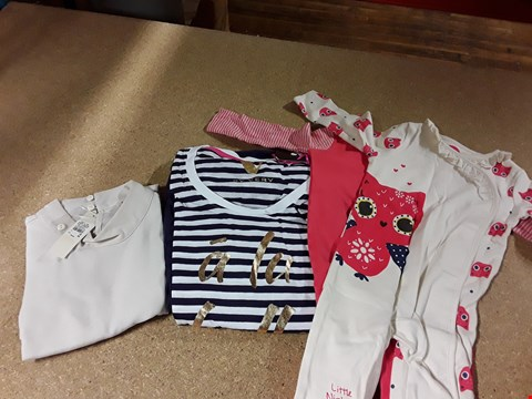 Lot 309 LOT OF 10 ASSORTED DESIGNER CLOTHING ITEMS TO INCLUDE STRIPE BELLE PJ SET, STUDDED SCALLOP TOP AND BABY GIRLS SWIMSUIT