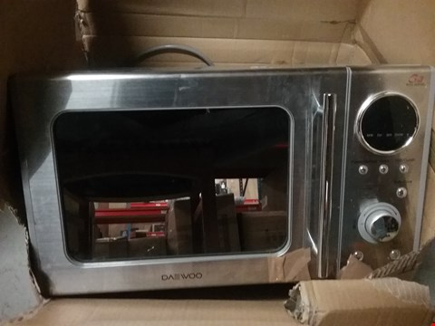 Lot 611 DAEWOO KOG3000SL FREESTANDING TOUCH MICROWAVE WITH GRILL IN STAINLESS STEEL
