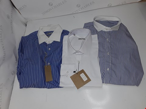 Lot 5327 BOX OF APPROXIMATELY 10 ASSORTED DESIGNER SIMON + SIMON LONG SLEVE SHIRTS TO INCLUDE WHITE, BLUE STRIPES