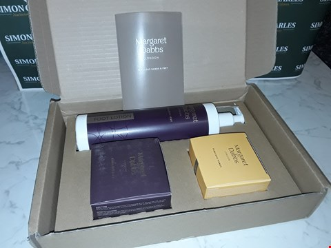 Lot 12043 MARGARET DOBBS STYLE 3PC SKIN CARE  BOXSET