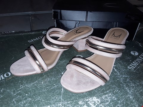 Lot 12323 BOXED MODA IN PELLE LAYNA NUDE ALCANTARA TWO PART SLIP ON BLOCK HEEL UK SIZE 6