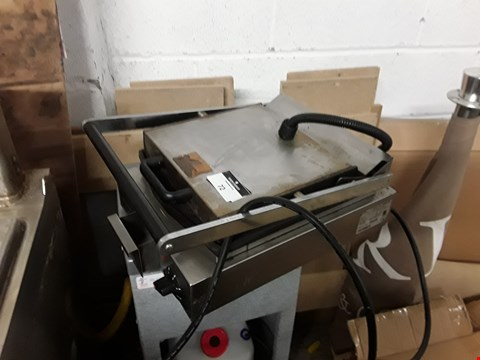Lot 72 COMMERCIAL LINCAT PANINNI GRILL