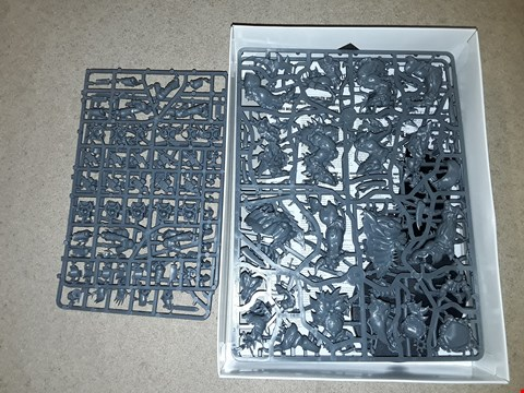 Lot 6142 LOT OF 2 ASSORTED FORGE WORLD AND WARHAMMER SETS