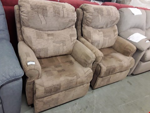 Lot 12523 QUALITY BRITISH MADE, HARDWOOD FRAMED BROWN PATTERNED FABRIC PAIR OF RISE AND RECLINE ARMCHAIRS