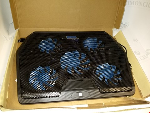 "Lot 17516 TECKNET RGB GAMKNG LAPTOP AND NOTEBOOK COOLING PAD WITH 5 FANS, TOUCH BUTTON AND BLUE LED FITS LAPTOPS 12""-19"""