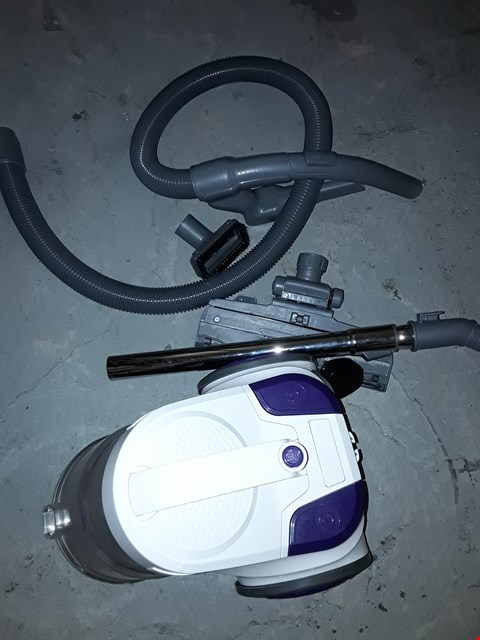 Lot 596 RUSSELL HOBBS COMPACT CYCLONIC BAGLESS VACUUM CLEANER