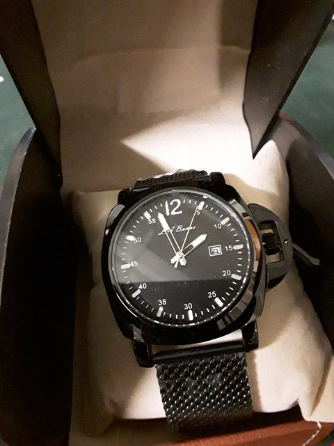 Lot 395 BOXED L A BANUS BLACK METAL STRAP MEN'S WRIST WATCH