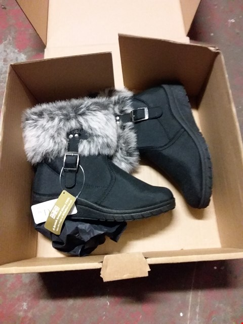 Lot 2029 LOT OF 5 PAIRS OF BOXED BRAND NEW LADIES ANKLE BOOTS IN VARIOUS SIZES AND STYLES RRP £140