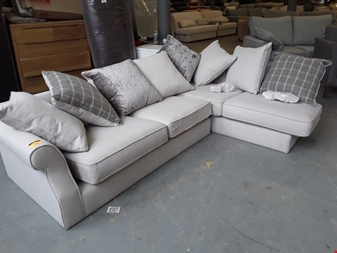 Lot 130 QUALITY BRITISH DESIGNER NEUTRAL FABRIC AMELIA CORNER SOFA WITH SCATTER BACK CUSHIONS