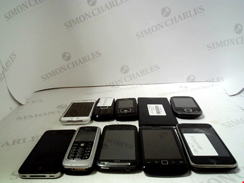 Lot 653 LOT OF APPROXIMATLEY 10 ASSORTED MOBILE PHONES AND SMARTPHONES ETC