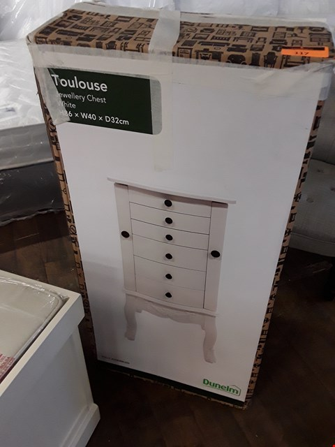 Lot 117 DESIGNER BOXED WHITE FINISH TOULOUSE JEWELLERY CHEST