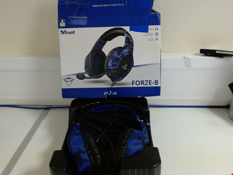 Lot 15156 TRUST GAMING GXT 488 FORZE-B GAMING HEADSET