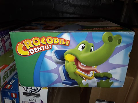 Lot 5070 HASBRO CROCODILE DENTIST  RRP £25.99