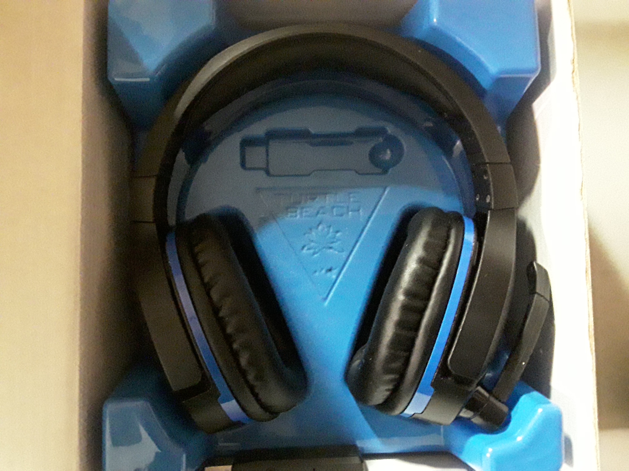 Lot 3270 Turtle Beach Stealth 700 Headset For Ps4
