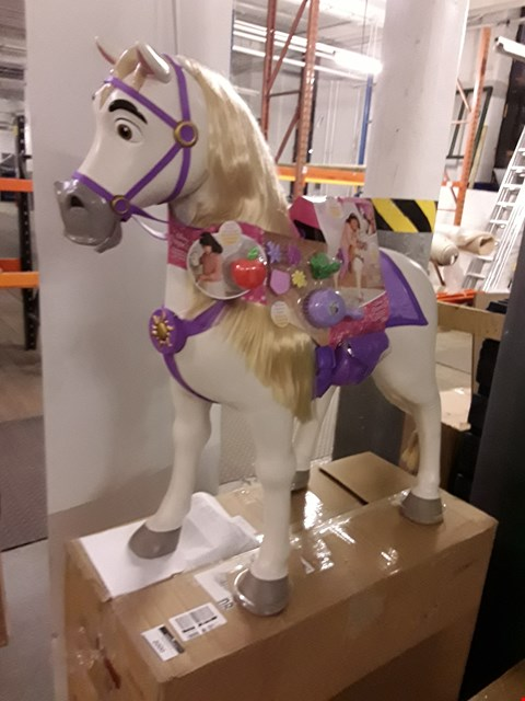 Lot 2000 BOXED DISNEY PRINCESS PLAY DATE MAXIMUS HORSE  RRP £90
