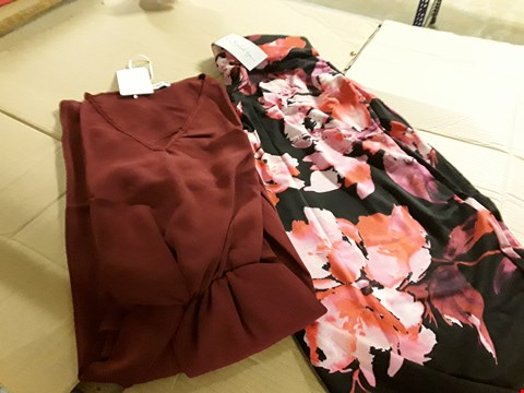 Lot 7538 LOT OF APPROXIMATELY 44 ASSORTED CLOTHING ITEMS TO INCLUDE KAMARA KIMONO STYLE TOP AND PRINT CROP TROUSERS