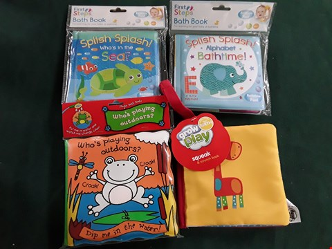 Lot 1094 4 SOFT BABY BOOKS INCLUDING COLOUR CHANGING BATH BOOK AND SQUEAK AND SCRUNCH CLOTH BOOK