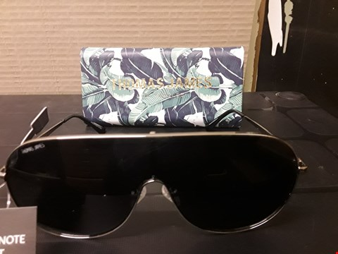 Lot 73 GRADE 1 THOMAS JAMES IBIZA VISOR SUNGLASSES  RRP £70