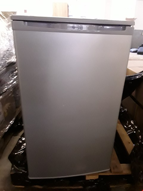 Lot 43 SWAN SR8090S SILVER 50CM UNDER COUNTER FREEZER RRP £259