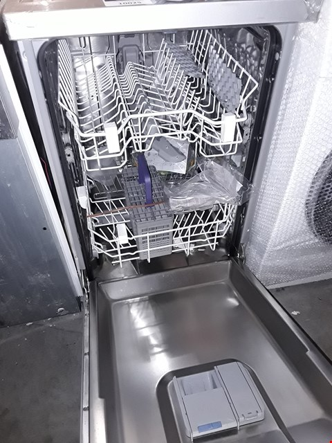 Lot 10025 BEKO BLACK SLIMLINE DISHWASHER SILVER