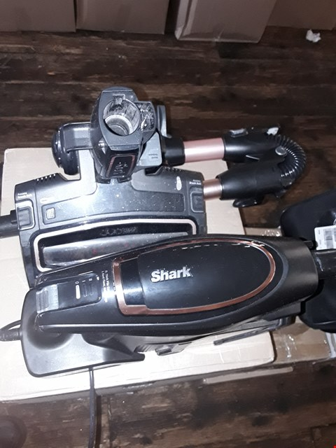 Lot 297 SHARK DUO CLEAN CORDED VACUUM WITH FLEXOLOGY