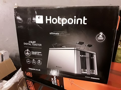 Lot 5205 BOXED HOTPOINT ULTIMATE 4 SLOT DIGITAL TOASTER