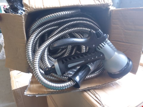 Lot 570 GG STAINLESS STEEL HOSE