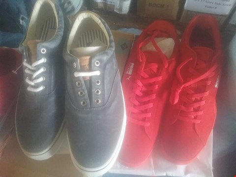Lot 7066 BAG OF APPROXIMATELY 10 ASSORTED ITEMS OF FOOTWEAR TO INCLUDE SPERRY NAVY STRIPER TRAINERS AND PUMA RED TRAINERS