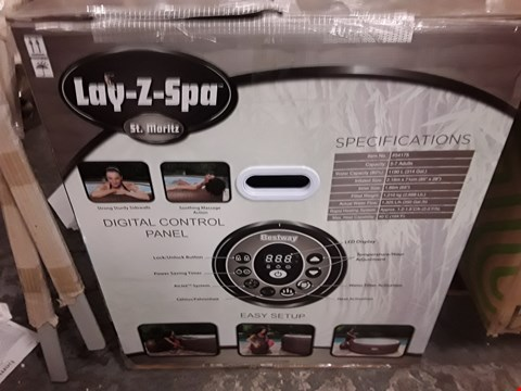 Lot 2 BOXED LAY Z SPA  RRP £390