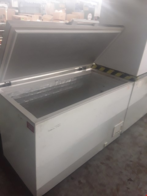 Lot 75 GRAM LARGE CHEST FREEZER