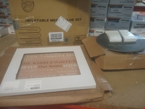 Lot 401 LOT OF  THREE ITEMS TO INCLUDE PERSONALISED SLATE CLOCK, GLASS CHOPPING BOARD AND INFLATABLE MEGA VALUE SET