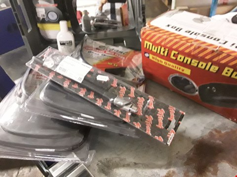 Lot 3057 TRAY ASSORTED ITEMS, 2 × PSIRS MUD FLAPS, MULTI CONSOLE BOX, STING AERIAL, 12V HORN, (TRAY NOT INCLUDED)