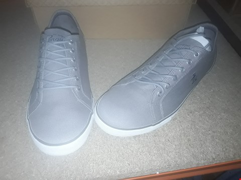 Lot 2133 LOT OF 3 BRAND NEW PENGUIN TRAINERS TO INCLUDE BREWTON DARK GREY TRAINERS SIZE 8  RRP £90