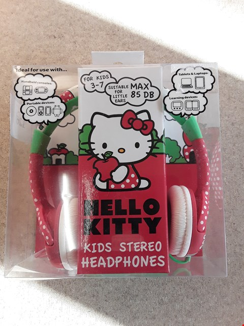 Lot 126 BRAND NEW BOXED HELLO KITTY KIDS STEREO HEADPHONES