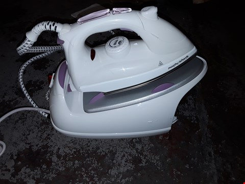 Lot 330 MORPHY RICHARDS JET STEAM IRON