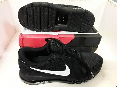 Lot 4120 PAIR OF DESIGNER BLACK TRAINERS IN THE STYLE OF NIKE AIR MAX 2017 SIZE UNSPECIFIED